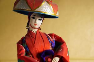 散歩道の博多人形の買取について