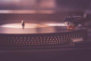 レコード専門の買取業者の買取方法は3つある